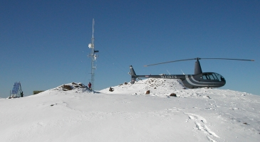 Mt Thoro summit weather station & helicopter (photo: Steve Brosseau)